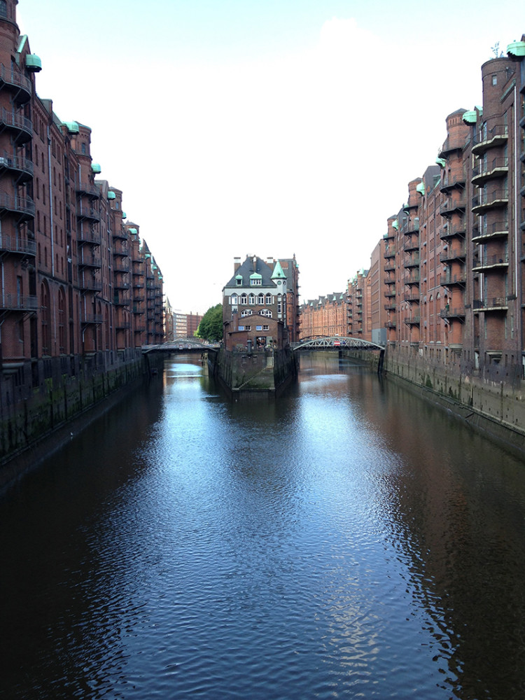 Hamburg, the city with more canals than Venice and Amsterdam combined
